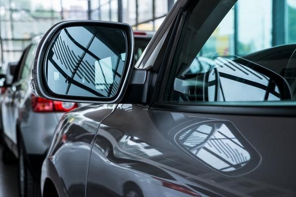後悔しない中古車の選び方とは? モデルとカラーで価格を抑える